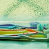 toothbrush-390870_1280
